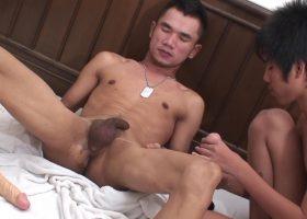 Aek and Wan Pissing